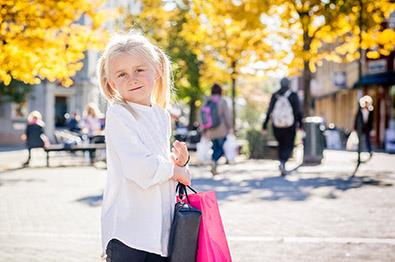 Girl shopping in Hønefoss
