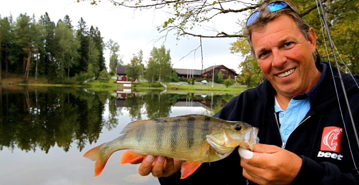 GJO - Gallery - Fishing - Accommodation close to fishing spots - Hotels - Toten Hotel Sillongen toine with perch